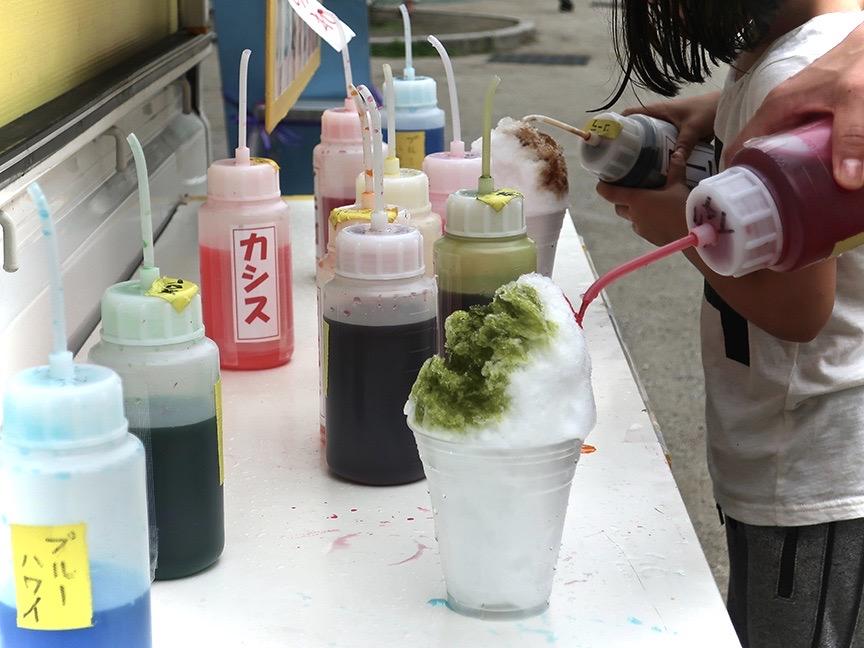 Making your own shave ice at the Edogawa Goldfish Festival