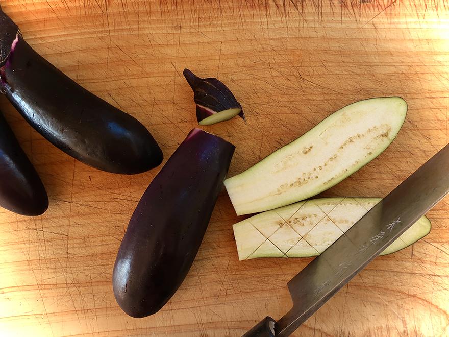 Cutting Japanese eggplant