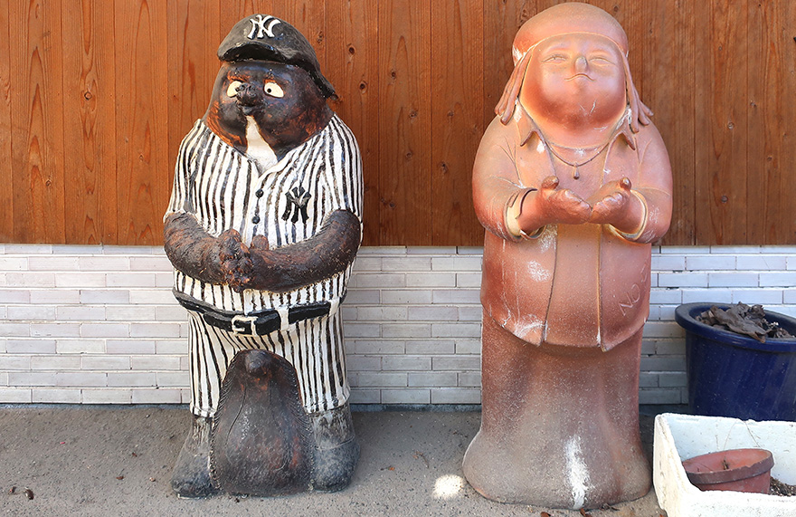 Tanuki art figures on the streets of Shigaraki
