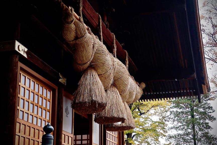 Fat rice straw shimenawa at Suwa Taisha Akimiya in Suwa City Nagano