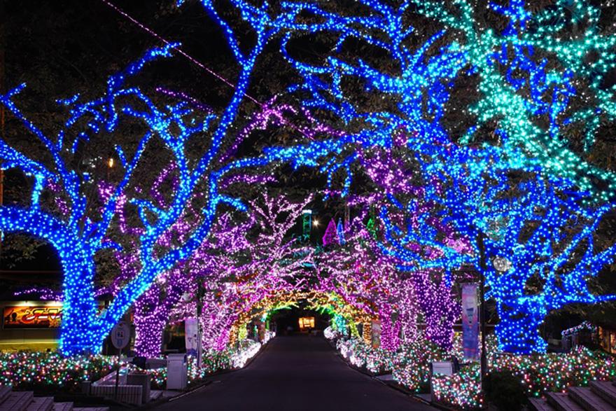 Yomiuriland Jewelluminations Aquamarine area