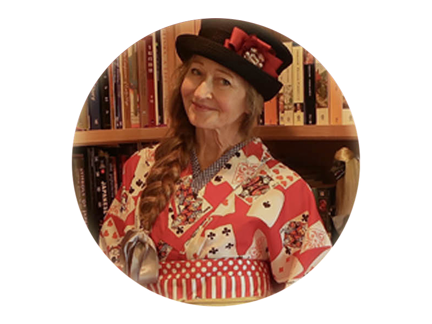 Author Jonelle Patrick in card-themed kimono