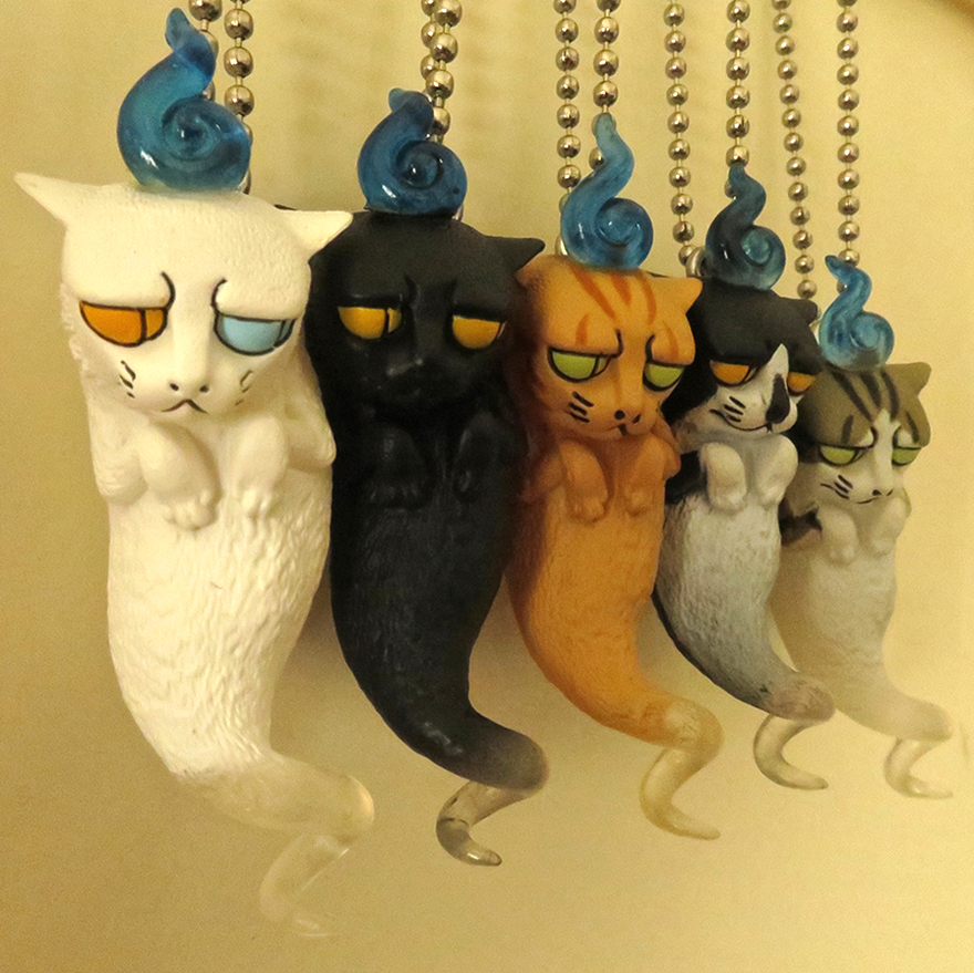 Angry cat ghost gachapon toys