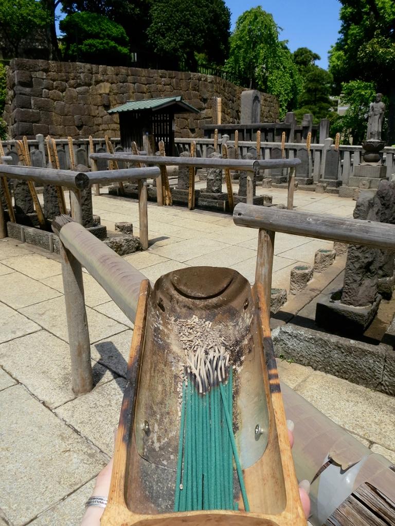 Graveyard at Sengakuji temple where the 47 ronin are buried